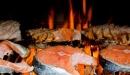 طبق من السمك المشوي